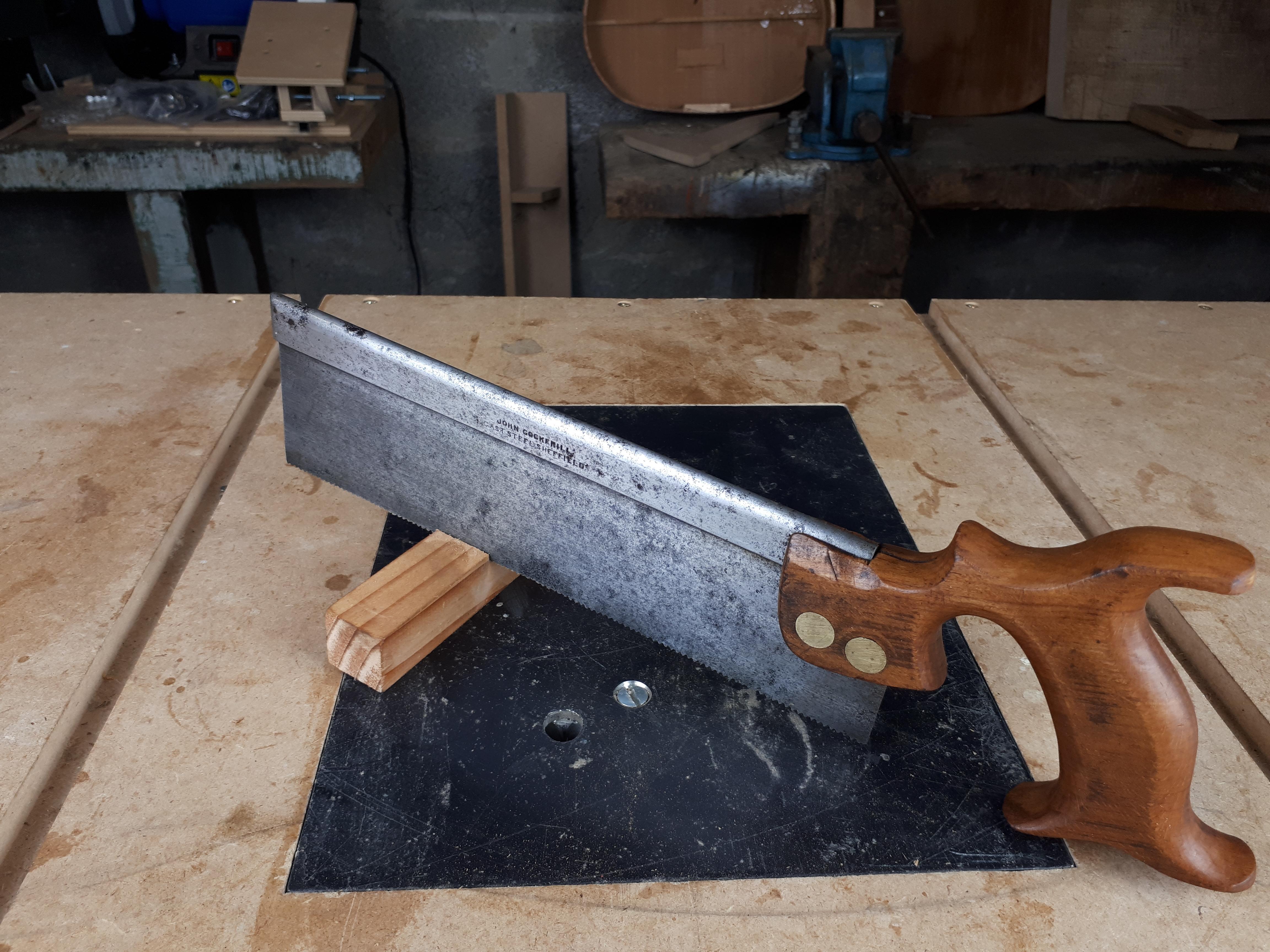 dovetail saw